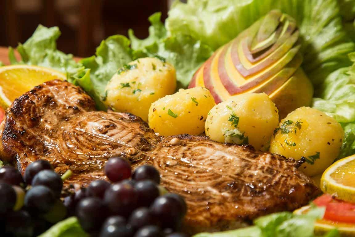 Restaurante do Parrachos Praia Clube é referência em culinária potiguar